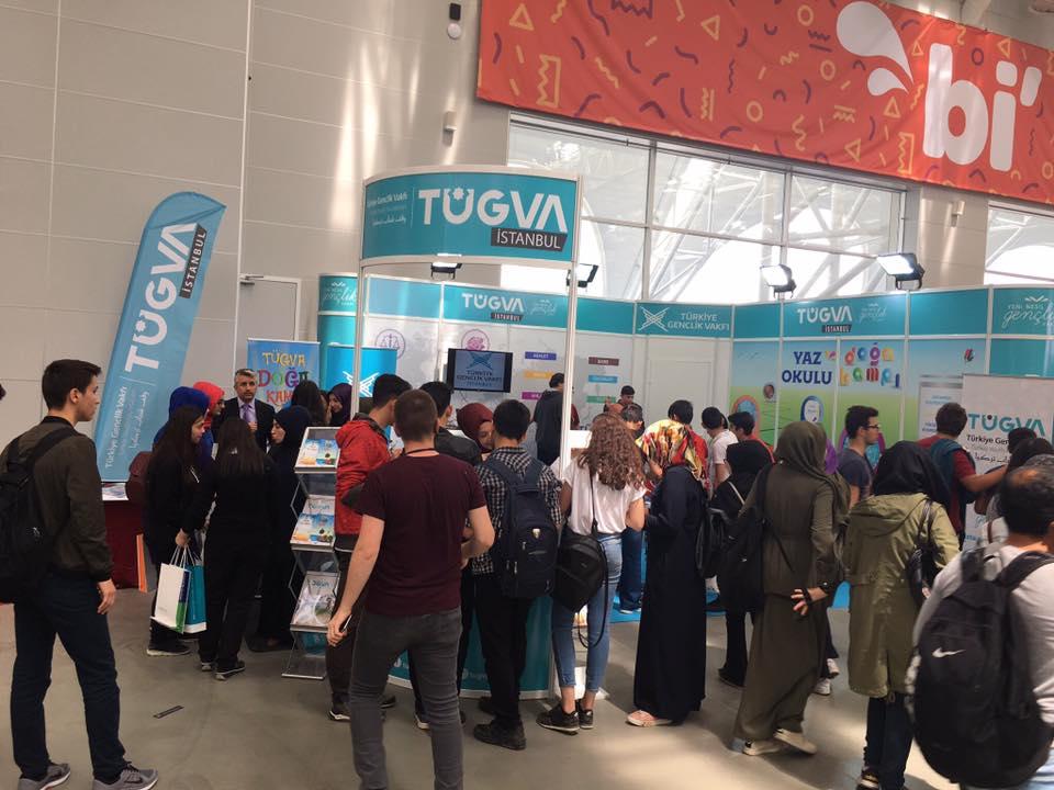 İstanbul Gençlik Festivali TÜGVA standı Gençlerin yoğun ilgisinde